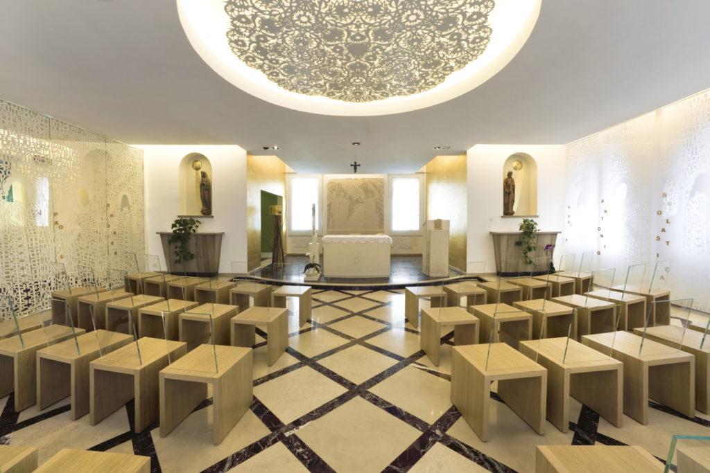 Panoramica interno Cappella Centro Giovanile Pavoniano - Milano