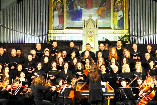 coro gospel in una chiesa